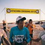 keijiro-hamada-blind-runner-with-guides-atacama-crossing