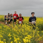 2013-bude-lifeboat-run-pack-crossing-field